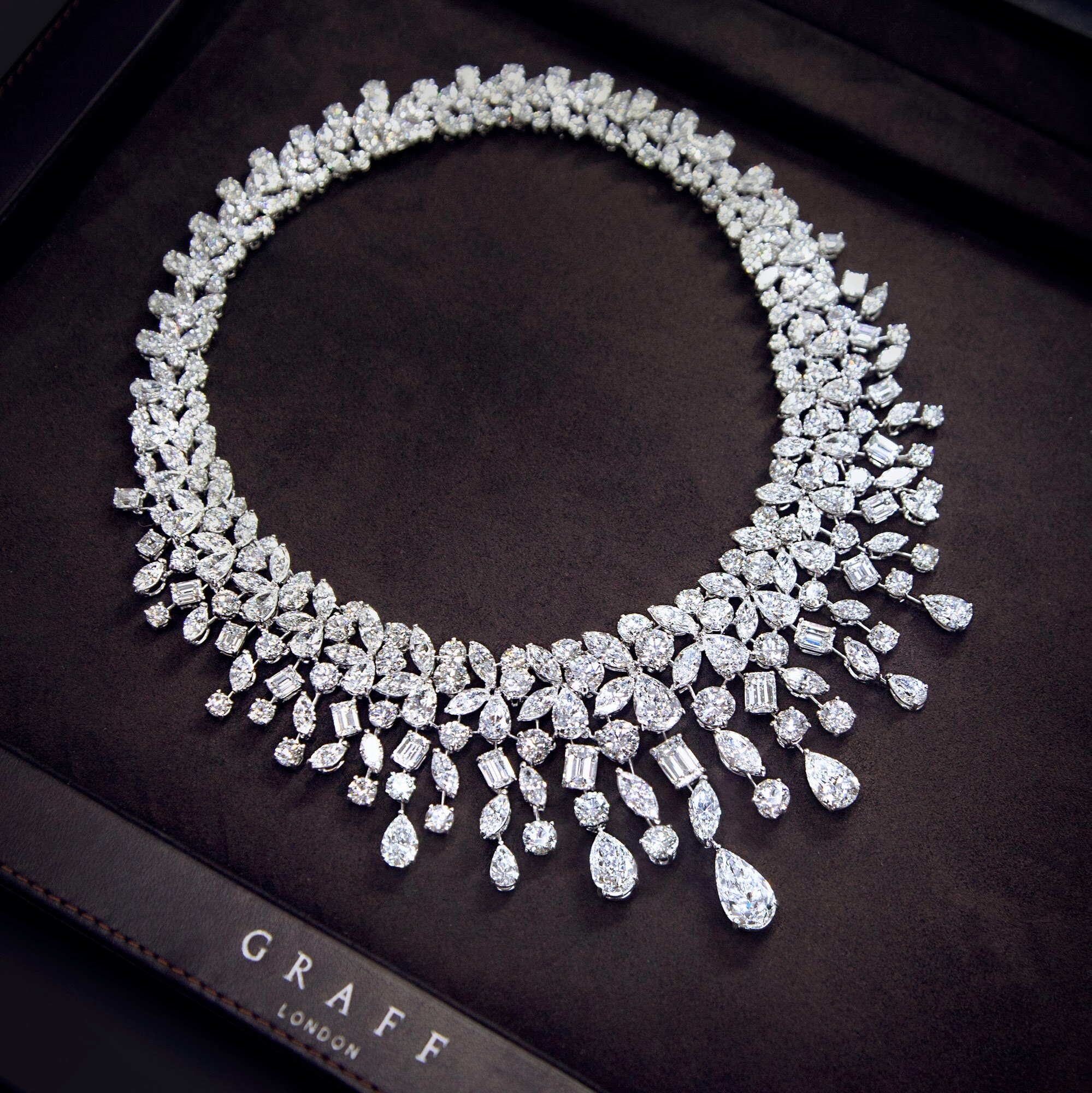 Top Shared 16 Diamond Necklace Designs | MostBeautifulThings