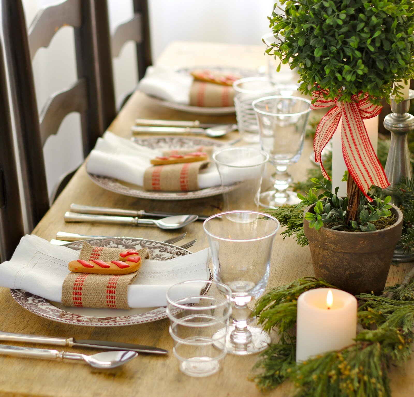 15 dining table decoration samples mostbeautifulthings for Small table setting ideas