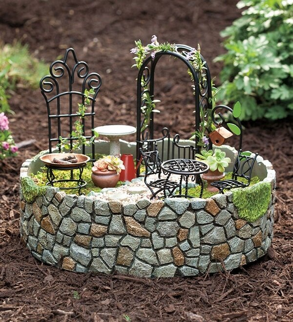 Garden decoration ideas with 15 pinterest pics for Garden design decoration