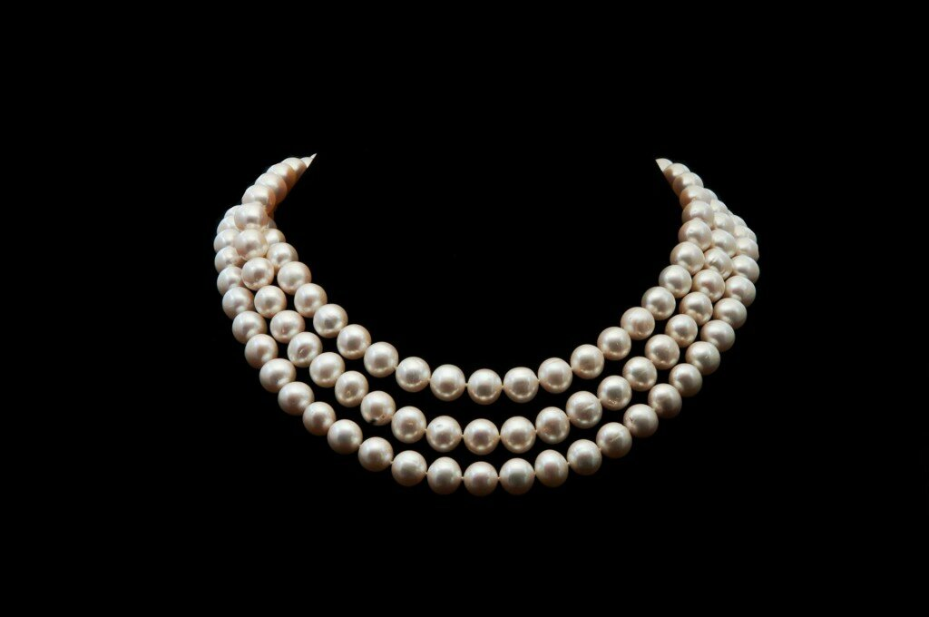 14 most elegant pearl necklace designs really