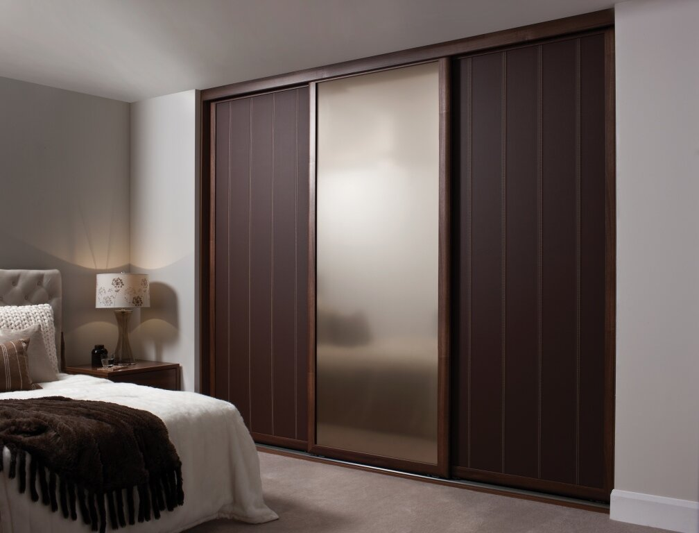 15 inspiring wardrobe models for bedrooms for Bedroom door designs