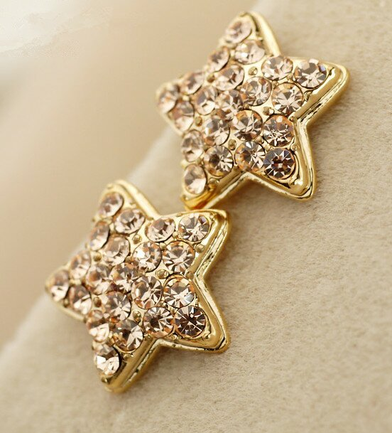 Beautiful Diamond Earrings 1