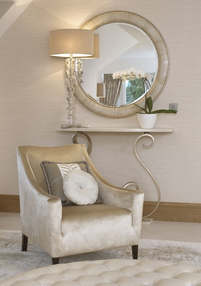 Decorative mirrors for bedrooms
