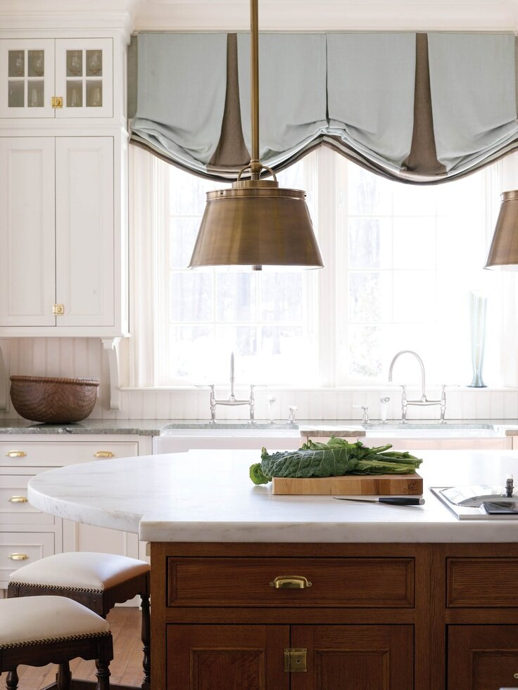 19 inspiring kitchen window curtains mostbeautifulthings for Best window treatments for kitchens