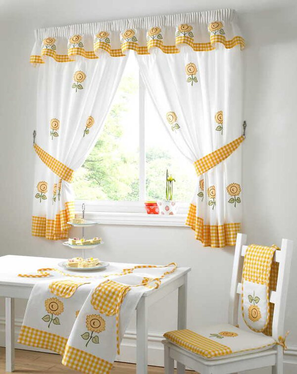 19 Inspiring Kitchen Window Curtains | MostBeautifulThings