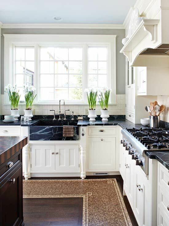 18 design samples with white kitchen cabinets for Beautiful kitchen designs with white cabinets