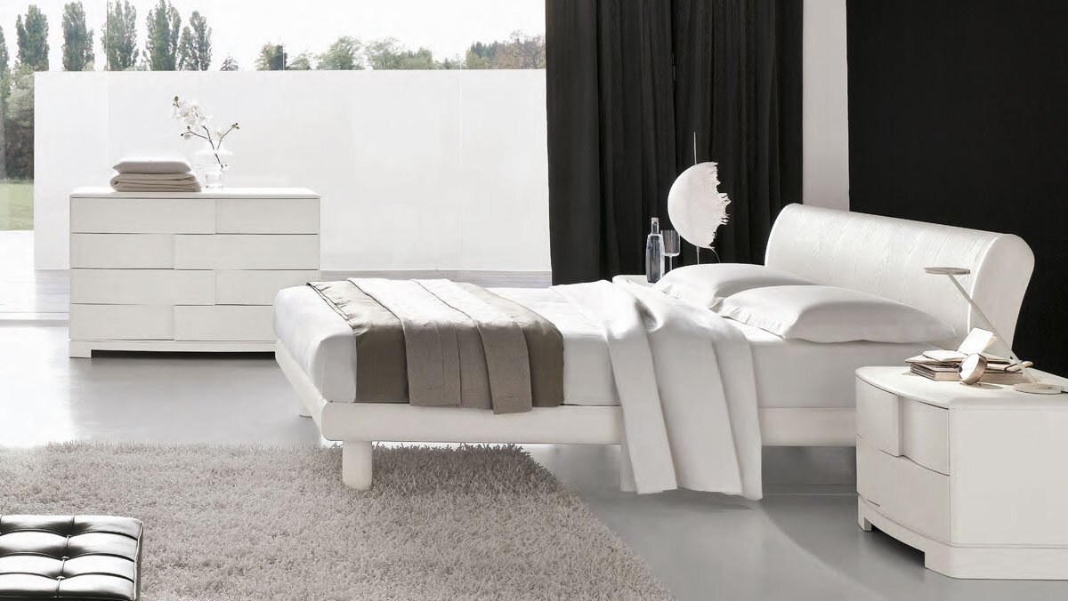 29 inspiring white furniture designs mostbeautifulthings for Chambre a coucher high gloss