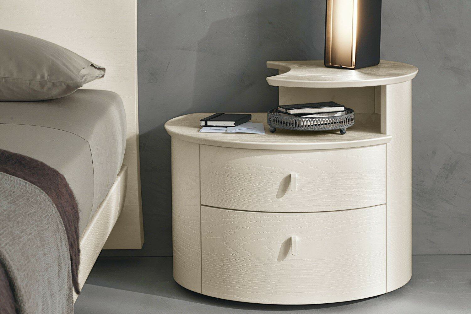 32 great designed nightstands with photos. Black Bedroom Furniture Sets. Home Design Ideas