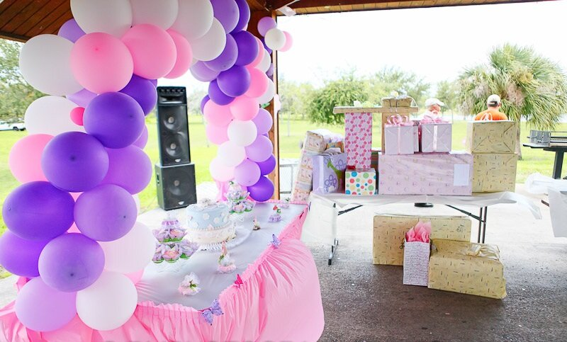 Top 16 baby shower decorations mostbeautifulthings for Baby welcome party decoration ideas