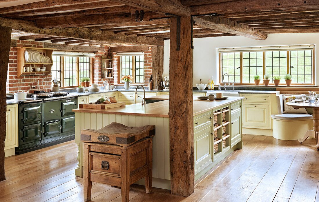 Top 15 country decor examples mostbeautifulthings for Country kitchen home plans