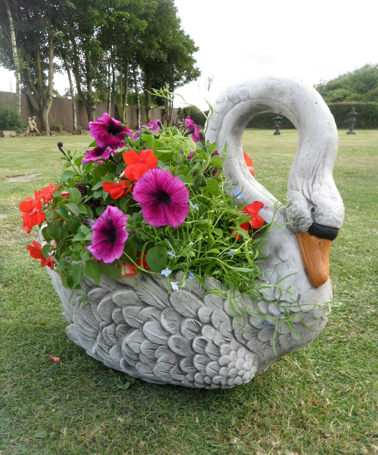 18 Decorative Garden Ornament Examples | MostBeautifulThings