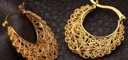gold hoop earrings 17