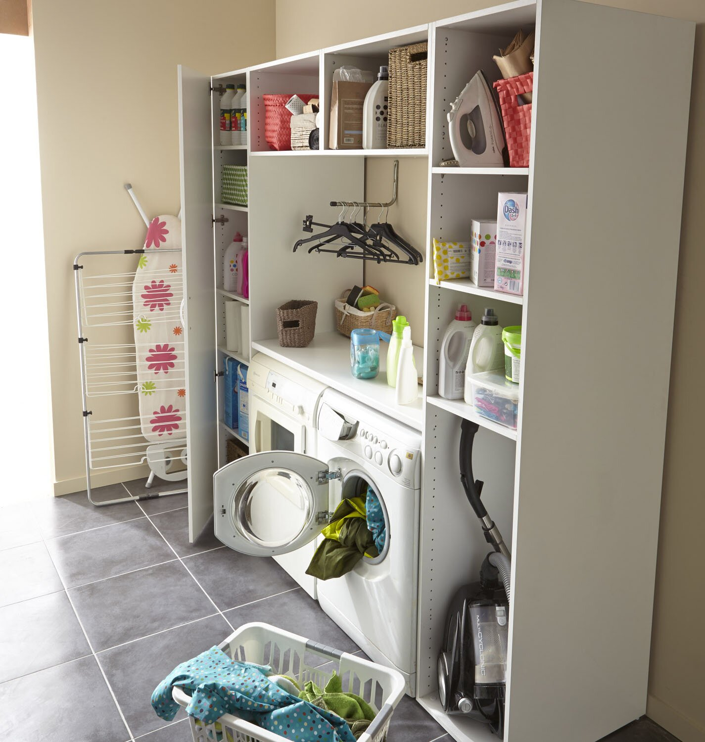 top 16 laundry room decor ideas with photos mostbeautifulthings. Black Bedroom Furniture Sets. Home Design Ideas