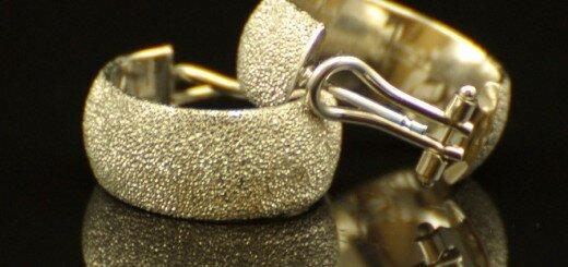 gold earrings 1
