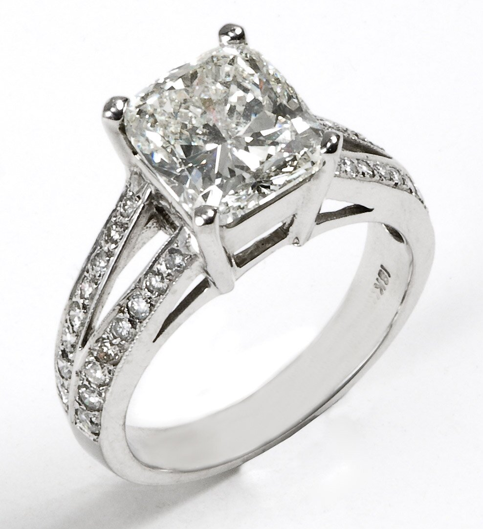 top 15 designs of princess cut engagement rings mostbeautifulthings. Black Bedroom Furniture Sets. Home Design Ideas